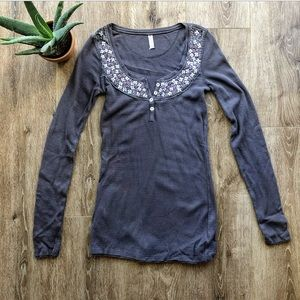FREE PEOPLE EMBROIDERED FLORAL SLEEVE THERMAL